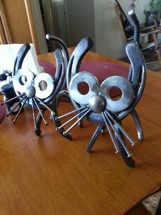 Horseshoe cat's, horseshoe art
