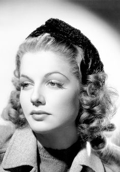 Ann Sheridan in a promotional photo for Winter Carnival Old Movie Stars, Classic Movie Stars, Beautiful Celebrities, Beautiful Actresses, Beautiful Ladies, Beautiful Things, Beautiful People, Vintage Hollywood, Classic Hollywood