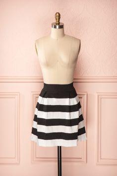 Yvonne - Black and white striped skirt