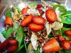 Spinach salad with strawberries & Grilled Chicken