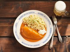 Paprikahendl Hot Dog Buns, Hot Dogs, Cheesesteak, Baked Potato, Bread, Baking, Ethnic Recipes, Food, Tv