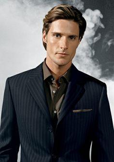 Tommy Dunn for Jack Victor (2006) #TommyDunn #malesupermodel #supermodel #malemodel #model #JackVictor #FordModels #NextModels #BleuModels #DMen #suit #tie