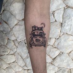Tatuagem sketch: artistas brasileiros para você seguir! - Blog Tattoo2me Blackwork, Skull, Tattoos, Blog, New Tattoos, Tattoo, Artists, Style, Tatuajes