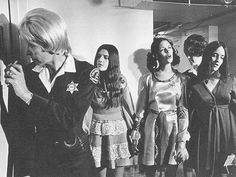 Manson Family: Patricia, Leslie, and Susan sing on the way to court. If that isn't sick and creepy, i don't know what is. Leslie Van Houten, Patricia Krenwinkel, Norman Bates, Sharon Tate, Helter Skelter Charles Manson, Famous Murders, Foto Real, All In The Family, Evil People