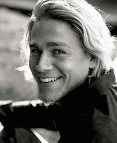 charlie hunnam 16 Afternoon eye candy: Charlie Hunnam (26 photos)