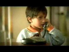 MovieTalk - se está bañando, suena el teléfono, le da el mensaje (equivocado)