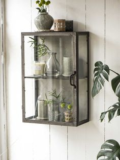 Retro chic for the wall! This vintage inspired wall cabinet is reminiscent of an old apothecary cupboard. Kitchen Display Cabinet, Cabinet Decor, Display Cabinets, Cabinet Makeover, Cupboards, Nordic Furniture, Scandinavian Furniture, Vintage Display, Brooklyn