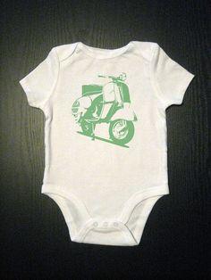 Green Vespa Baby Onesie Kids Shirt par VicariousClothing sur Etsy, $14,00