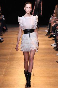 Isabel Marant Fall 2015 RTW Runway - Vogue -Paris Fashion Week