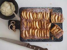 Siken omenakakku hipoo täydellisyyttä! Vinkki, joka parantaa lähes kaikkien leipomusten makua - Ajankohtaista - Ilta-Sanomat Food N, Food And Drink, Bakewell Tart, Non Alcoholic Drinks, Sweet And Salty, Something Sweet, Dairy Free Recipes, Cooking Recipes, Sweets