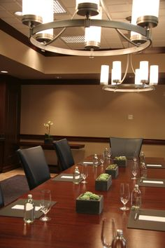 Boardroom Platinum Hotel