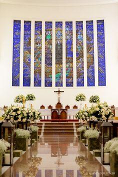 Igreja Santa Rita de Cássia em Campinas. Decoração em branco da Edilayne Ferraz. | Foto: Rejane Wolff
