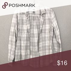 OLD NAVY GREY AND WHITE FLANNEL OLD NAVY GREY AND WHITE FLANNEL Old Navy Tops Button Down Shirts