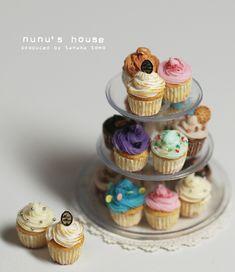 *カップケーキセット仕上げ* - *Nunu's HouseのミニチュアBlog*           1/12サイズのミニチュアの食べ物、雑貨などの制作blogです。