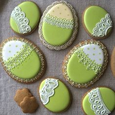 Ideas For Holiday Cookies Recipes Christmas Eggs Super Cookies, Iced Cookies, Easter Cookies, Holiday Cookie Recipes, Holiday Cakes, Cake Decorating Frosting, Cookie Decorating, Easter Biscuits, Cupcake Cakes
