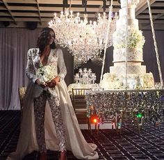 Diane Khoury weddings ❤️ Cake: @ sweetbloomcakes ❤️ Chandeliers : @ chandelierstodiefor ❤️