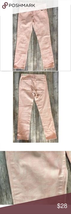 """Red Engine Pink Floral Rose Print Jeans Red Engine Cayenne Jeans Size 26 Skinny Low Rise Stretch  Pink Rose Print  Gently preowned with no flaws noted  Approximate measurements:  Waist- 14"""" Inseam- 29"""" Red Engine Jeans"""