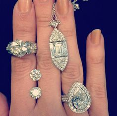Diamond Jewelry recently purchased by CIRCA. Visit us to find out how you can sell your unwanted diamond jewelry in one of our many offices worldwide.