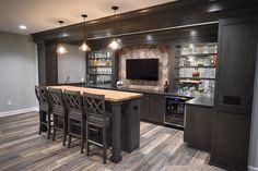 Basement Sports Bar, Wet Bar Basement, Basement Bar Plans, Basement Kitchenette, Game Room Basement, Basement Bar Designs, Modern Basement, Basement House, Basement Makeover