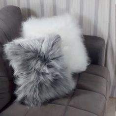 grey and white go well Fluffy Pillows, Throw Pillows Bed, Dream House Exterior, Dream House Plans, House Plants Decor, New Room, Room Inspiration, Decoration, Bedroom Decor
