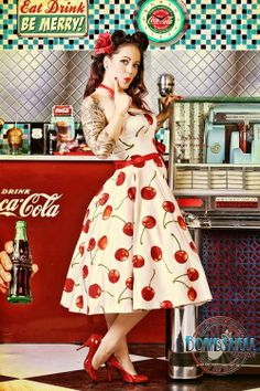 Pinup Fashion: Bombshell Pin Up Photography Rockabilly Style, Rockabilly Moda, Rockabilly Fashion, Retro Fashion, Vintage Fashion, Rockabilly Girls, Rockabilly Dresses, Goth Girls, Pin Up Vintage