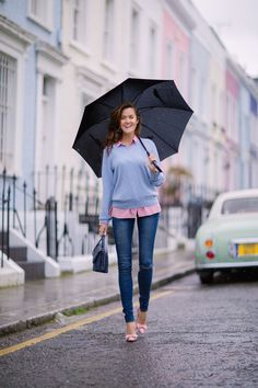 Notting Hill's pastel houses - even pretty in the rain!
