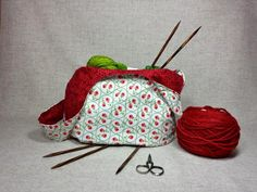 Wendetasche, rote Rosen, Projekttasche, Stricken, Häkeln, Handtasche, Stricktasche von frostpfoetchen auf Etsy