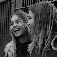 Instagram post by Lisa and Lena | Germany® • Mar 28, 2017 at 5:17am UTC