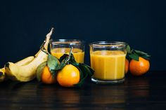 Sunday Sutra: Solar Plexus Chakra Smoothie | Well and Full | #plantbased #yoga #recipe