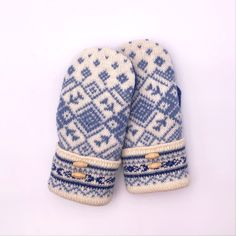 Wool Nordic Sweater Mittens -upcycled, felted, Sherpa lined, blue, cream, faux leather palm Nordic Sweater, Sweater Mittens, Wool Sweaters, Little Kittens, Rainbow Heart, Sherpa Lined, Blue Cream, Wool Felt, Snug