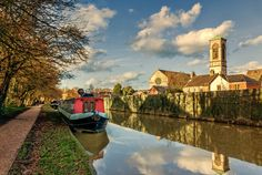 Oxford Canal near Jericho with St Barnabas   by thriddle