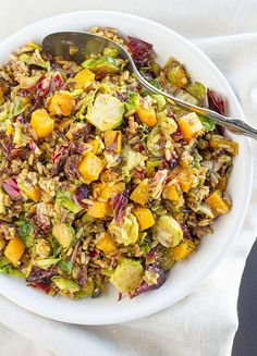 Try whipping up this @LaFujiMama Wild Rice Salad with roasted butternut squash, sauteed brussel sprouts, radicchio, toasted sunflower seeds, and an orange balsamic vinaigrette.
