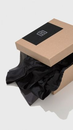 d157646601bcd Kent Organic Silk Box Set in Pitch Black