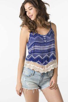 Cami avec crochet Lingerie, Clothing Items, Korean Fashion, Cami, Denim Shorts, Tank Tops, Crochet, Fitness, Outfits
