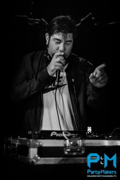 CHINO MORENO DJ SET. I had the ultimate pleasure of being right in front of Chino during a DJ set. ♥♥♥