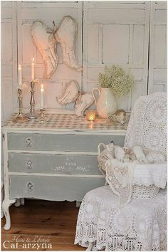 Dresser with a Checkerboard Top - the drawers and body of the dresser were painted 2 different colors and the same colors were used to paint the top. This is such a great look!