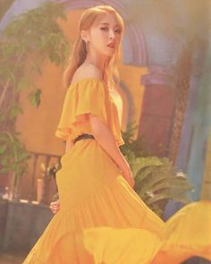 Christmas Gifts For Parents, Creative Christmas Gifts, Wheein Mamamoo, Love Mom, Soyeon, The Good Old Days, Queen, Social Platform, Types Of Fashion Styles