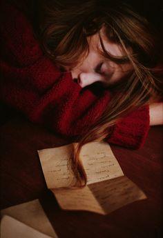 Grace schreibt Liebesbriefe an Jamie, Richard und Florine, bekommt allerdings keine Antwort von Jamie