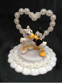 donald duck wedding cake topper disney donald and duck and groom wedding cake 13701