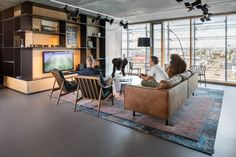 https://officesnapshots.com/2017/01/03/discovery-network-benelux-offices-amsterdam/?utm_source=Office Snapshots Weekly Newsletter
