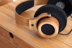 Wooden headphones Møbelsnedkerforeningen Noise Cancelling Headphones, Sports Headphones, Bluetooth Headphones, In Ear Headphones, Car Audio Battery, Computer Robot, Diy Amplifier, Speaker Design, Hifi Audio