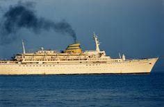 FARO É FARO: Recordando o Paquete Infante D. Henrique Portugal, Funchal, Sailing Ships, Ocean, Boat, Hale Navy, Super Cars, Ships, Light House