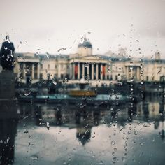 A rain-soaked view of the National Gallery, captured in London #BurberryWeather 8°C | 46°F