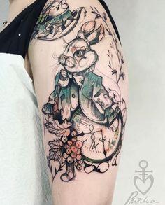 Alice in Wonderland - White Rabbit tatoo / Tatouage lapin blanc - Alice qu Pays des Merveilles. Ink Tattoo, Tatoo Art, Piercing Tattoo, Color Tattoo, Body Art Tattoos, Sleeve Tattoos, Piercings, Yakuza Tattoo, Painting Tattoo