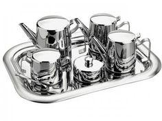 Altamente durável, higiênico e de fácil limpeza. Proporciona um requinte ao compôr a mesa. Em aço inoxidável, mantém as características originais, preservando a beleza, a higiene e a durabilidade do material. Acabamento em alto brilho. Design moderno. Ideal para servir chás e café.