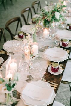 garden inspired tablescape with wallpaper runners | Photography: Richelle Hunter