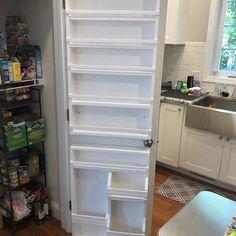 Spice Rack On Pantry Door, Door Mounted Spice Rack, Pantry Door Storage, Pantry Door Organizer, Pantry Shelving, Kitchen Organization Pantry, Spice Storage, Pantry Ideas, Build A Spice Rack
