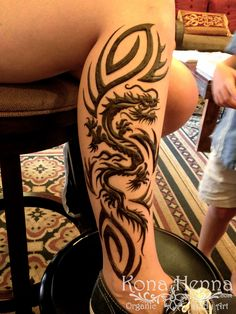 Kona Henna Studio - Tribal Dragon Leg! Henna Tattoo Hand, Leg Henna, Tattoo Diy, Henna Body Art, Henna Tattoos, Tribal Henna, Tribal Tattoos, Henna Men, Dragon Tattoo Designs