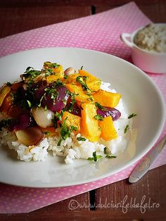 Salata de orez cu dovleac copt Eggs, Breakfast, Ethnic Recipes, Kitchen, Diet, Morning Coffee, Cooking, Egg, Home Kitchens