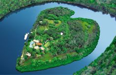 Makepeace Island is a small island resort located in the Noosa River on Australia's Sunshine Coast. The island is currently owned by Brett Godfrey and Sir Richard Branson. The island can hold up to 22 guests.